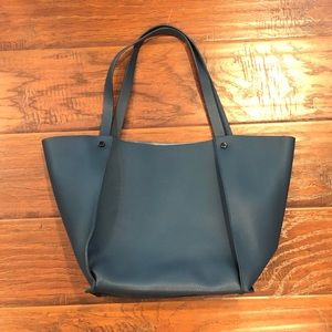 •NEIMAN MARCUS• Tote Bag in Teal Color
